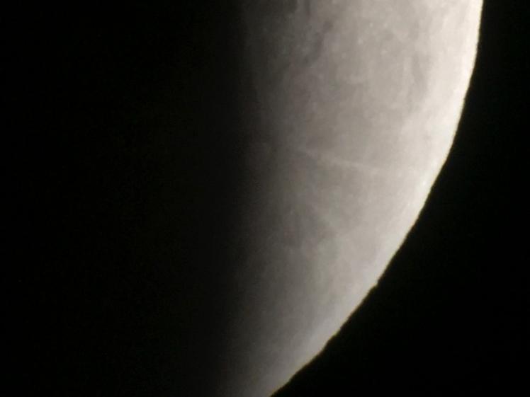 Krater Tycho vergrößert wird sichtbar 00004