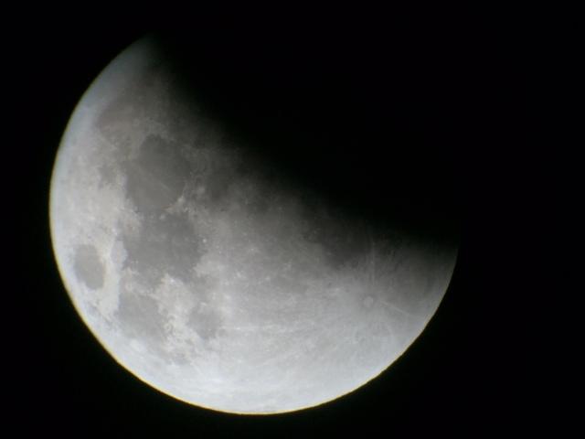 Mond 03:28 Uhr Krater Tycho noch sichtbar