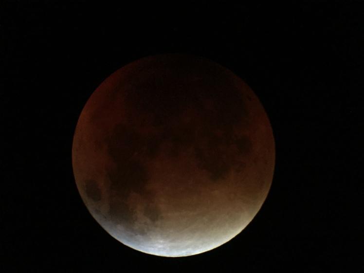Der Mond um 04:17 Uhr