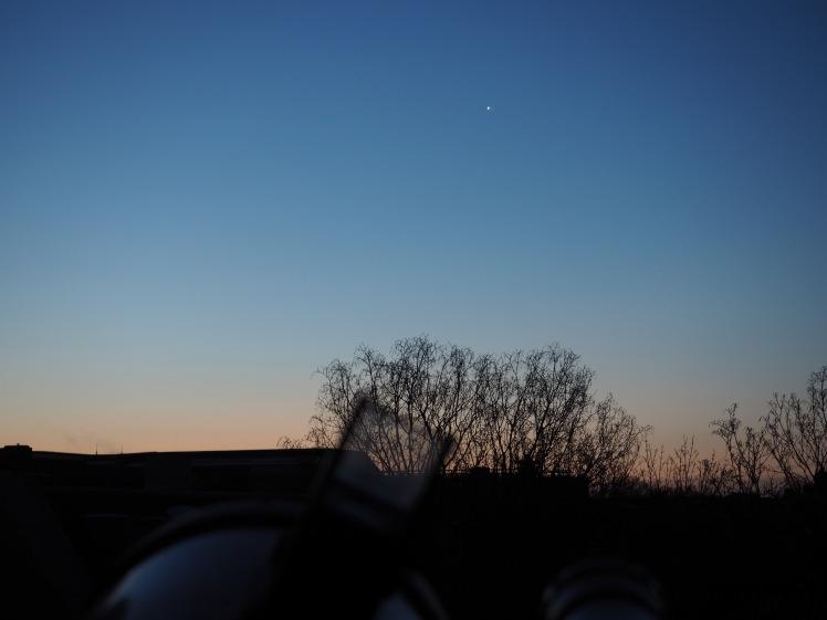 Venus bei Saturn gesehen auf Terrasse