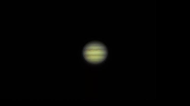 Jupiter am 08.03.16, 02:39 mit Europa und Io vor dem Planeten