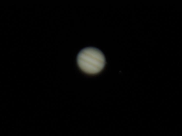 Jupiter am 08.03.16, 0:05 Uhr. Mond Europa auf Position 1 Uhr dicht am Planetenrand sichtbar