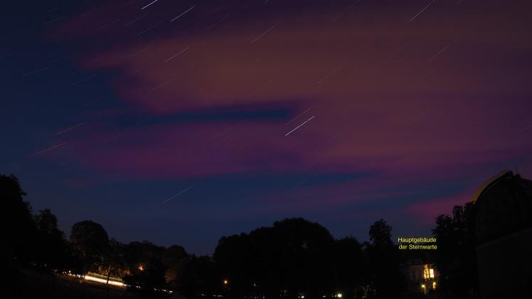 Star Trail mit lichtverschmutzten Quellwolken, die sich in das Bild hineinschoben (Olympus M10, 9mm, 1:8.0 Body Cap Fish Eye)