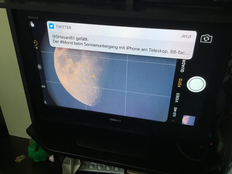 Mond auf den Fernseher gestreamt - Feedback von Astronomie Twitter Community