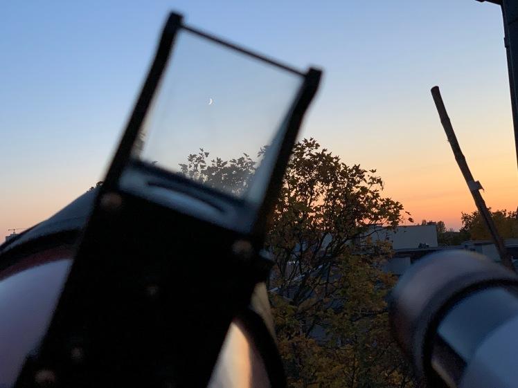 Schmale Mondsichel durch Telrad