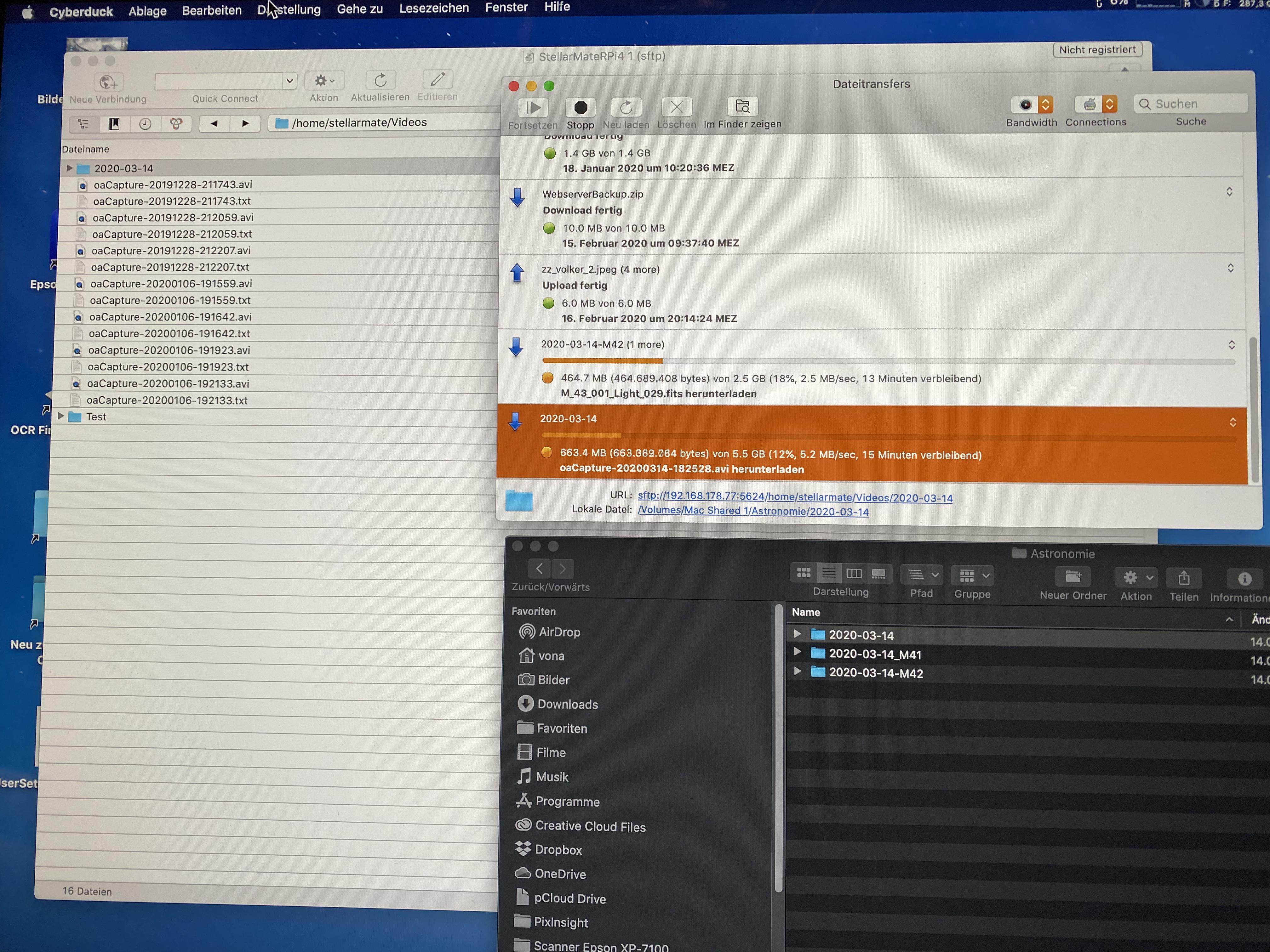 Dateien werden auf den Desktoprechner heruntergeladen
