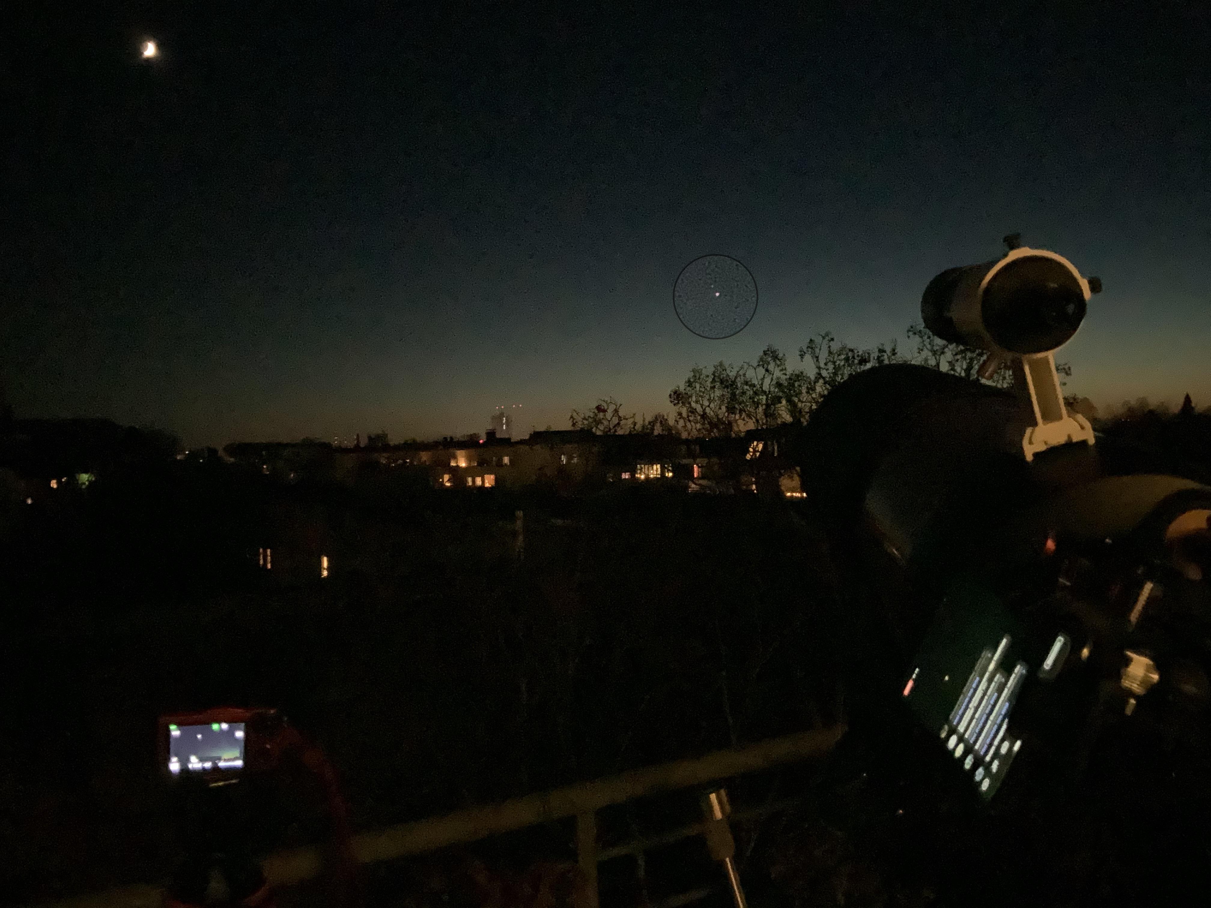 Teleskop mit Smartphone Live-Übertragung von Jupiter und Saturn